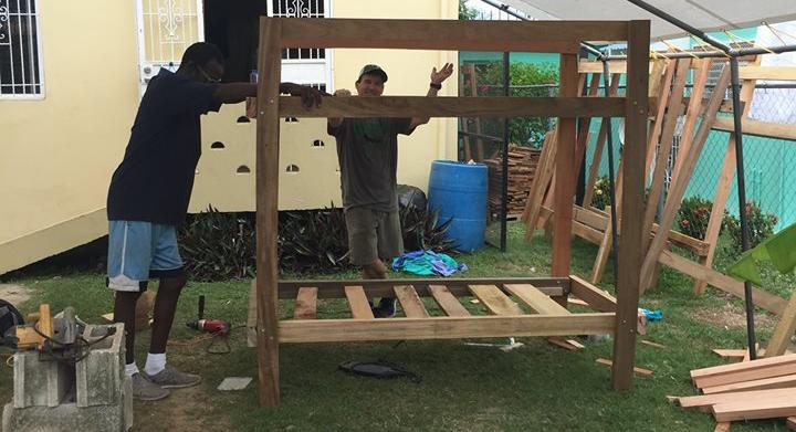 belize-making-bunkbeds